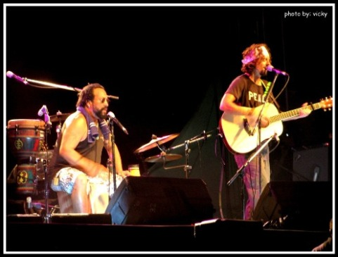 Jason Mraz & Toca Rivera In Action