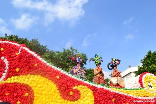 Mobil Hias SMK N 3 Magelang Parade Sejuta Bunga