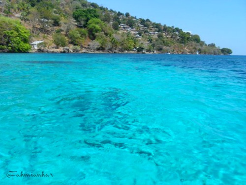 Birunya Perairan Pulau Pura Alor