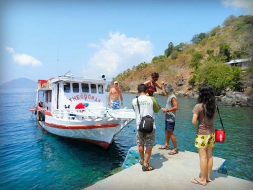 Dermaga Desa Abila Pulau Pura Alor