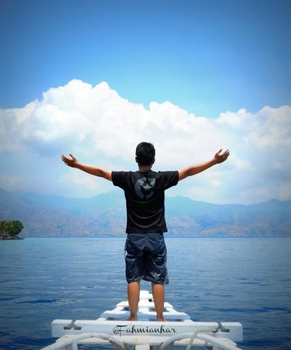 Berlayar di Pulau Pura Alor