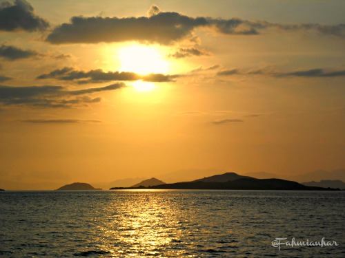 Sunset di Perairan TN Komodo Flores