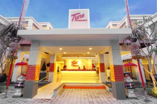 tune hotels legian bali reception