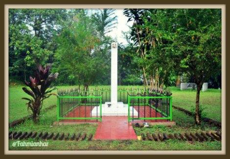 Tugu Paku Pulau Jawa Gunung Tidar Magelang