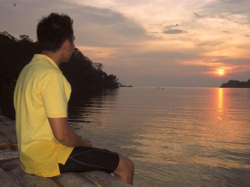 sunset teluk kiluan
