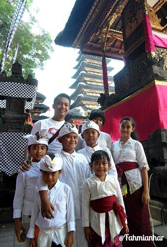 Piodalan Pura Goa Lawah Klungkung Bali