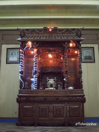 Altar perabuan rumah candu lawang ombo lasem